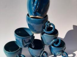 Tasses en grès avec anses uniques Angelique Villeneuve sculpture ravel